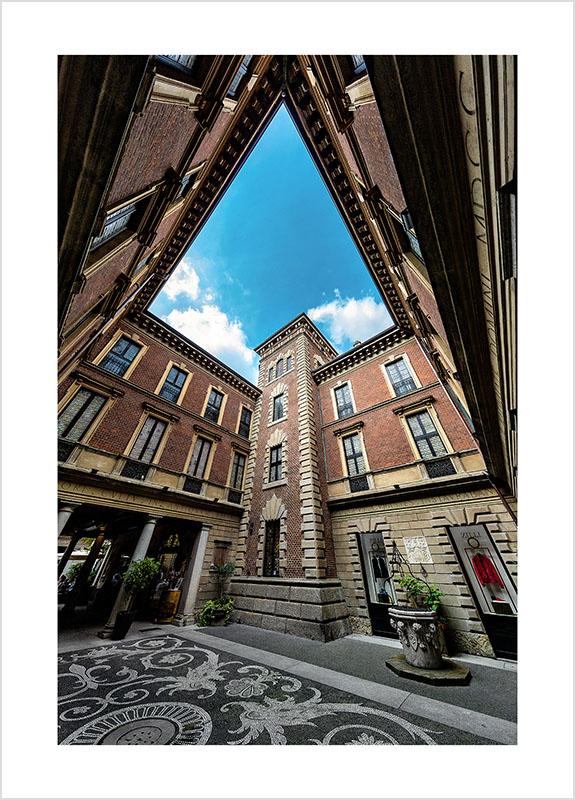 Franco Gualdoni_Meravigliosa Milano - Cortile del Palazzo Bagatti-Valsecchi